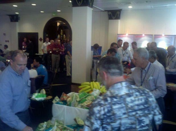 WWAC2012_exhibitor-hall-lunch_bkg